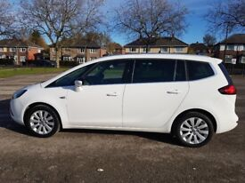 64 (22/9/14) Zafira Tourer CDTI Techline 6 Speed Manual Deisel in White, 22k Miles MOT'd to Sept 18