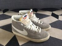 Nike high tops size 4