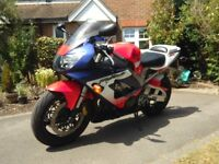 Honda cbr929rr fireblade in A1 condition, only 17k miles, nearly new tyres