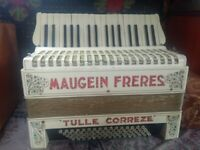 Piano Accordion, 80 bass, Maugein Frères, French musette, good condition