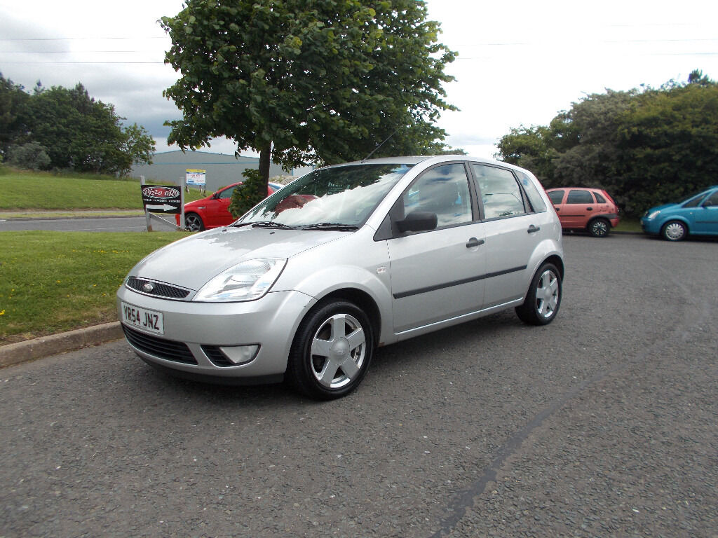 ford fiesta flame 5 door hatchback stunning silver 2004 bargain only 750 look px delivery in. Black Bedroom Furniture Sets. Home Design Ideas