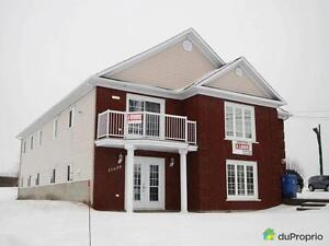 0$ - Duplex à vendre à St-Georges