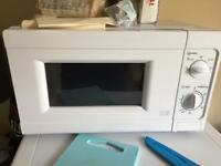 1 month old nearly new microwave £25