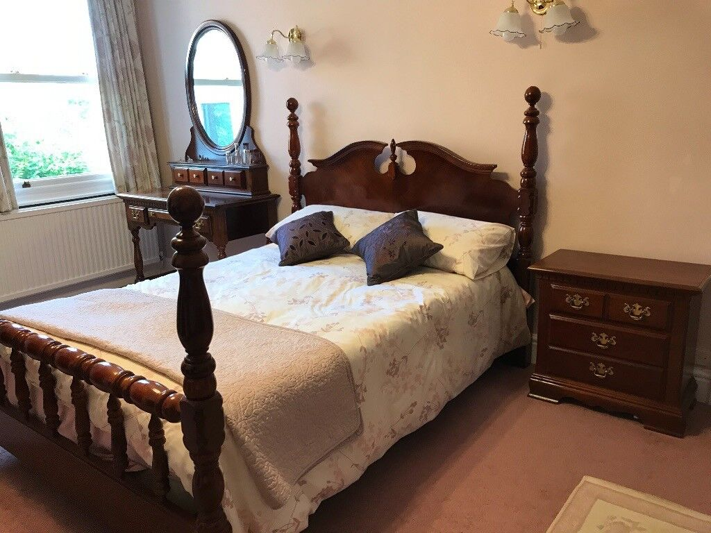 Mahogany bedroom furniture bed various pieces available