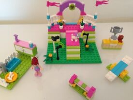 Lego Friends Mia's Dog Show