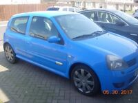 Beautiful condition. One Careful lady owner . Clio 182 sports cup.