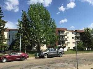 FANTASTIC, SOUTH SIDE LOCATION One month Free/w 1 year lease