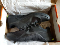 *New* Nike Metcon 2's (Black) Size 11/46