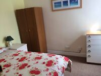 Clean, quiet double room in just renovated tidy, smart house