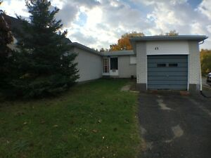 Bright 3Bed/2Bath Bungalow-Huge Unfinished Basement- Walford Rd.