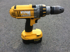 Dewalt 18 V XRP Hammer drill - spares or repair - not working.