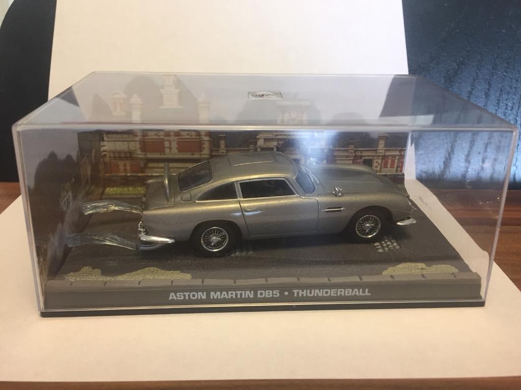 aston martin db5 1:43 scale diecast car thunderball | in inch