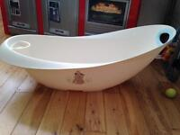 Baby bath and matching top and tail bowl, and a bath seat