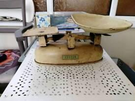 Vintage Harper kitchen scales
