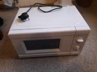 700W Standard Microwave - As New