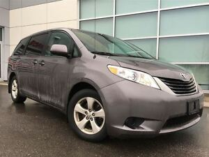2013 Toyota Sienna LE !!! JUST TRADED IN !!!