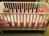 Saplings cot bed, convertable to junior bed, white and pink in new condition