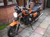 Triumph Thunderbird Sports 900cc with low milage and stunning bright orange