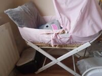 Free moses basket with stand