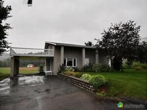 172 000$ - Maison 2 étages à vendre à L'Anse-St-Jean Saguenay Saguenay-Lac-Saint-Jean image 2