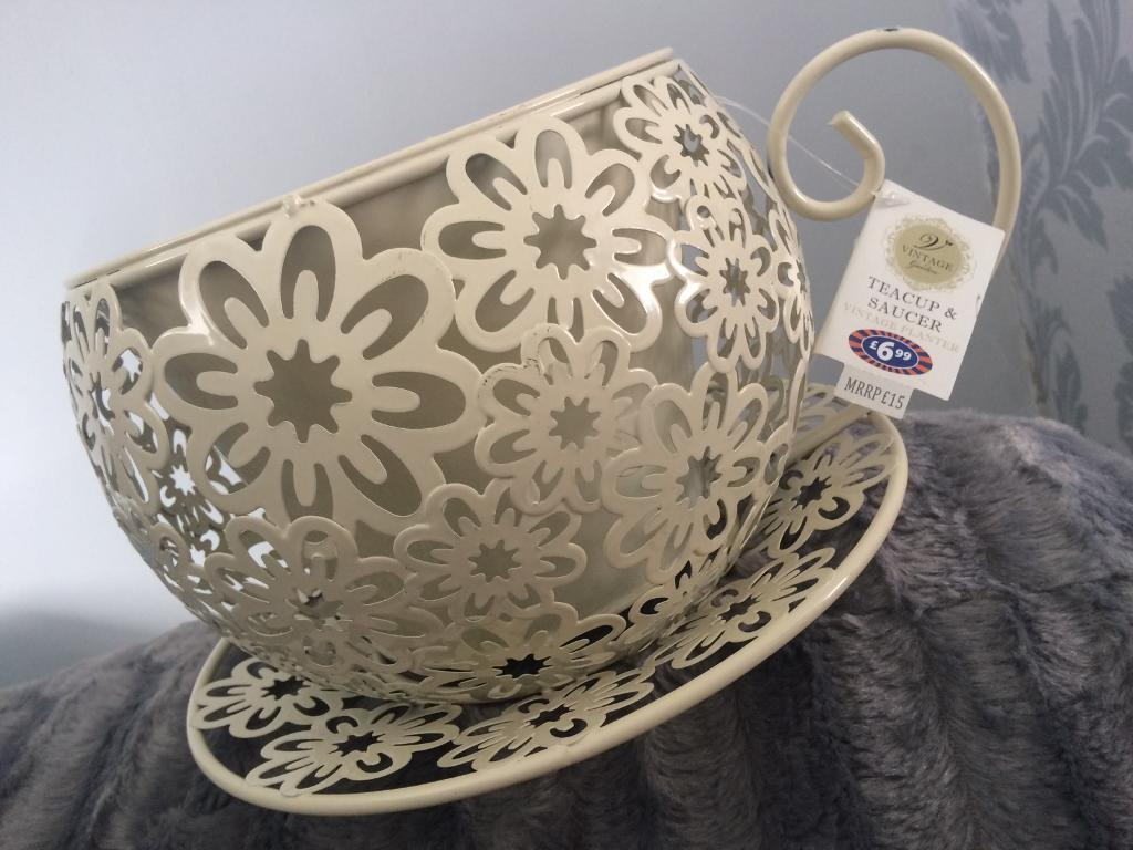 Planter Cream Large Cup And Saucer In Beith North Ayrshire Gumtree