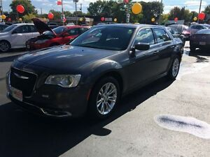 2015 CHRYSLER 300 TOURING - PANORAMIC SUNROOF, LEATHER HEATED SE Windsor Region Ontario image 9