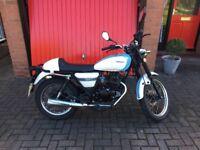 125cc motorbike Sinnis cafe