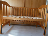 Toddlers bed (Toys-R-Us Catalina dropside cot)