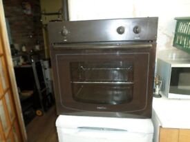 BROWN PROLINE BUILT IN OVEN CLEAN AND GOOD WORKING ORDER