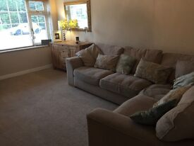 Lovely corner sofa - 2 years old - quick sale!