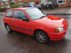 TOYOTA SARLET 1,3 AUTOMATIC 1999 RED 3 DOOR LADY OWNER 3 KEYS VERY LOW MILES 12 MONTHS MOT MAY P/X