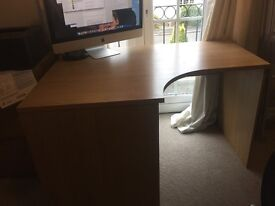 Corner desk - £30 - very good condition