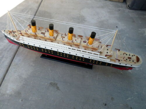 "Titanic wooden model cruise ship w/ flashing light 40"" fully assembly"
