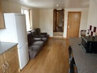 Spacious 3 bedroom property in Upton Park part dss acceptable with guarantor