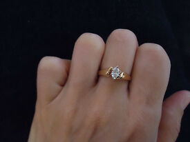 0.33 ct Diamond ring in a box with certificate