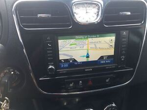 2012 Chrysler 200 Loaded; Leather, Roof, Navi, Back-Up Camera an London Ontario image 15