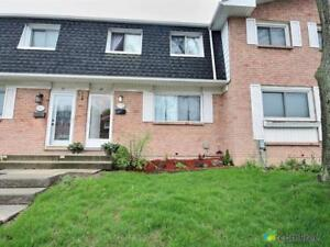 $229,900 - Townhouse for sale in Welland