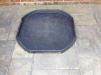 Cement mixing tray