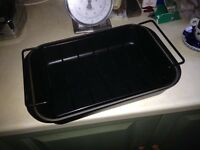 Le Creuset Roasting Dish with Cradle