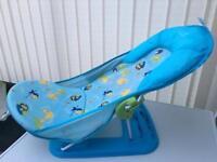 Baby bathing bouncer