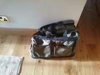 Expanding travel bag