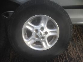 15 INCH ALLOY WHEELS AND TYRES LAND ROVER FREELANDER 5 WHEELS