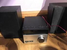 Sony CD player with 2 speakers