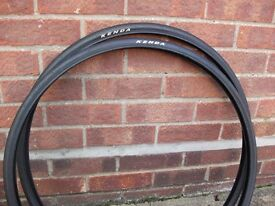 Kenda 700 x 25c Smooth Tyres - Nice Condition