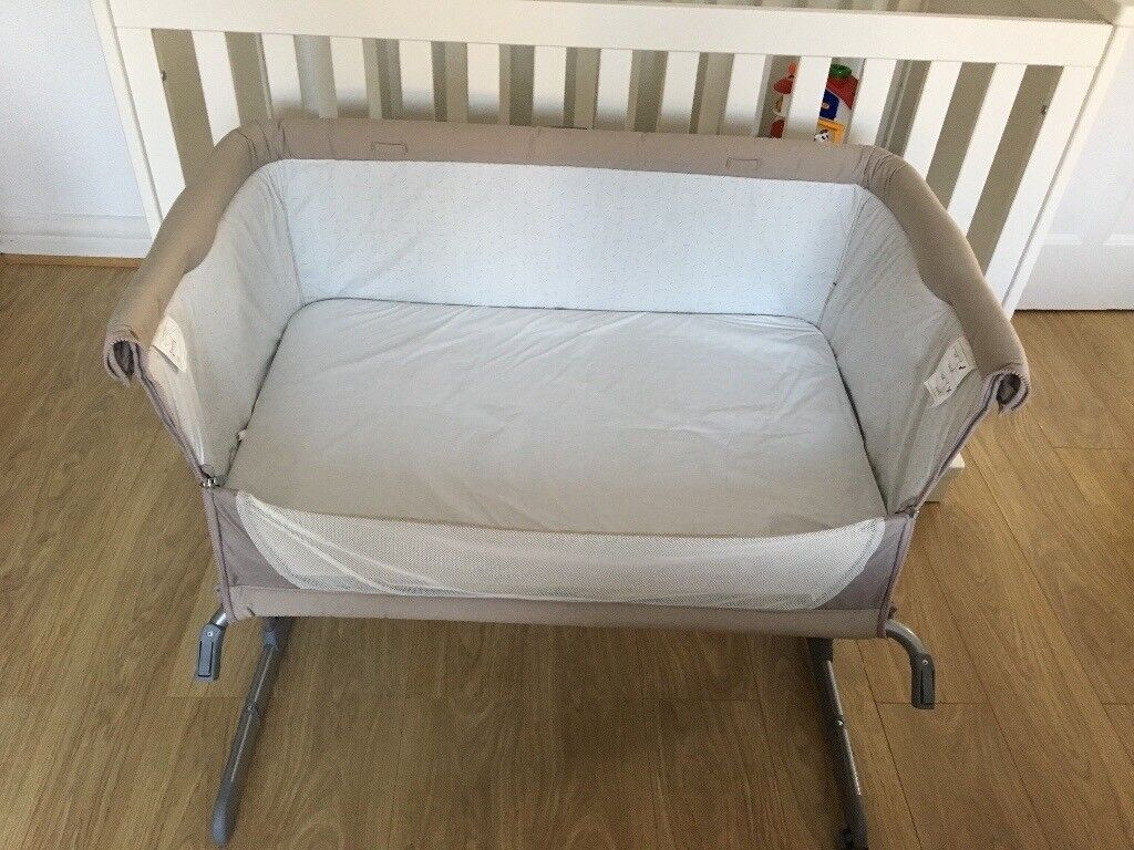 Chicco Next to Me Crib. Excellent condition. Cricklewood