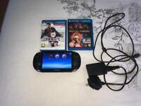 PlayStation Vita + 8GB + 2 Cards