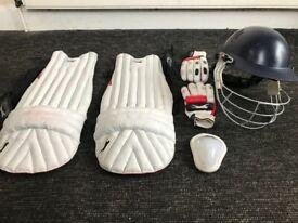 Cricket equipment + luggage cricket