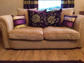 4 seater and 3 seater sofa. Perfect condition