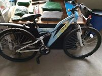 """TEENAGERS BICYCLE IN EXCELLENT CONDITION 26"""" WHEELS"""