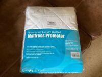 NEW SINGLE WATERPROOF MATTRESS PROTECTOR